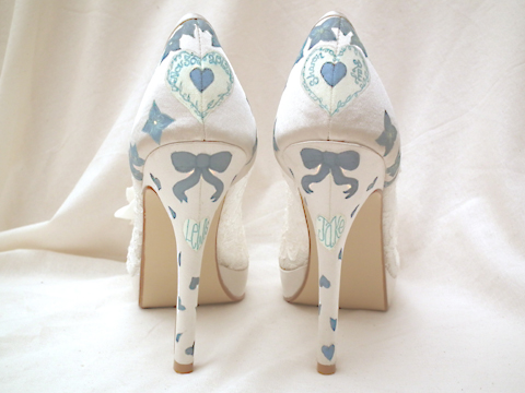 funky wedding shoes - Wedding Photography Website
