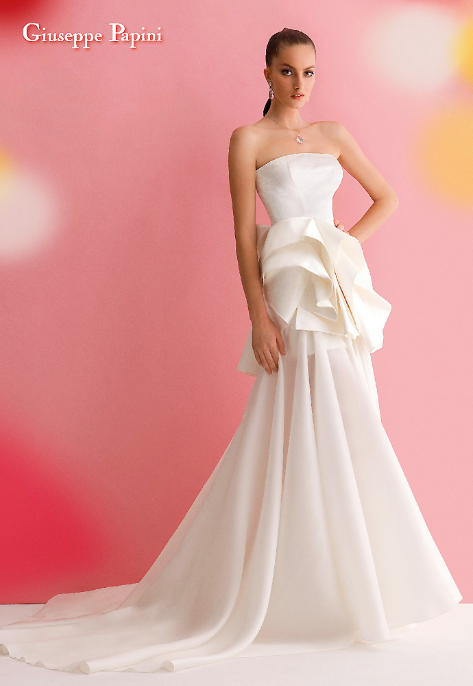 Giuseppe papini the real luxury is simplicity 2013 for Giuseppe papini wedding dresses price