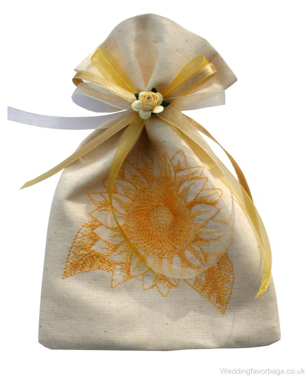 gold_chrysanth_{weddingfavorbags.co.uk}[1]
