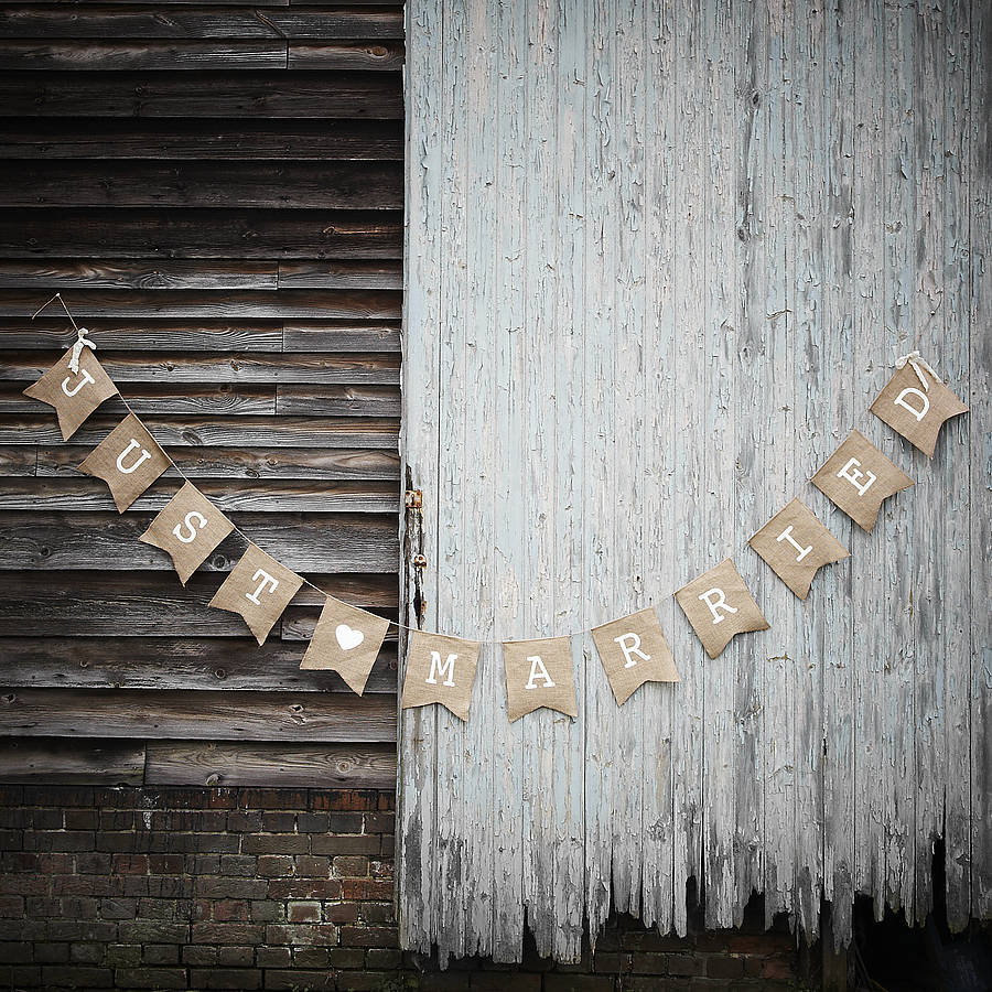 original_hessian-just-married-bunting-vintage-affair[1]