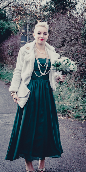 Winter wedding,  Vintage wedding, DIY Wedding,  green bridesmaid Dress, faux fur coat, pearls, mark pugh photography