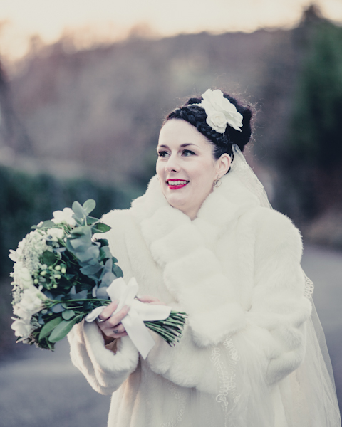 winter wedding, mark pugh photography, 1940's wedding dress, bouquet, vintage wedding, DIY wedding, st nicholas church  lockington