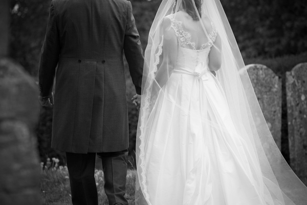 Hayley Ruth Photography, bride and groom, long veil, stephanie allin dress
