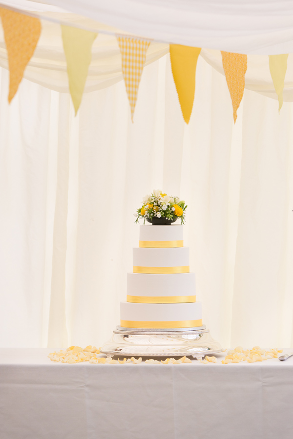 Hayley Ruth Photography, Sturmer hall, yellow bunting, homemade wedding cake and yellow ribbon detail