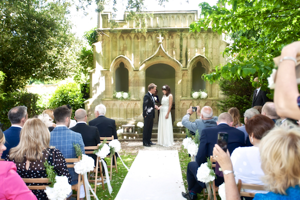 Karen Massey Photography, wedding ceremony, barnsley house