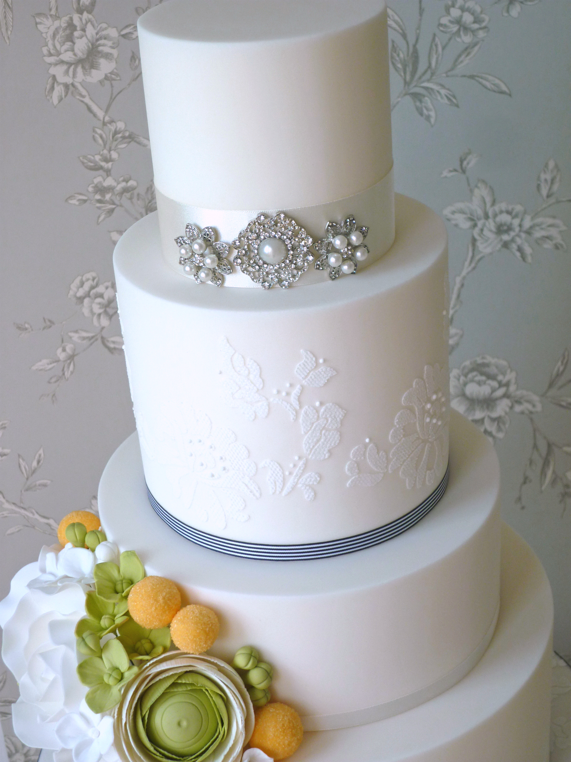 Beautiful Edible Art from the The Designer Cake Company