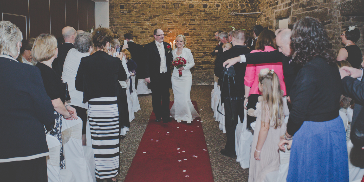 A Late Autumn Sheffield Wedding With Shades Of Red Uk