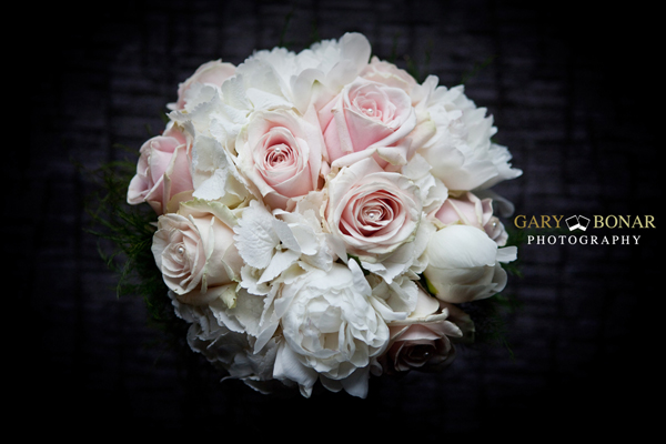bridal bouquet, flowers at 7, gary bonar photography