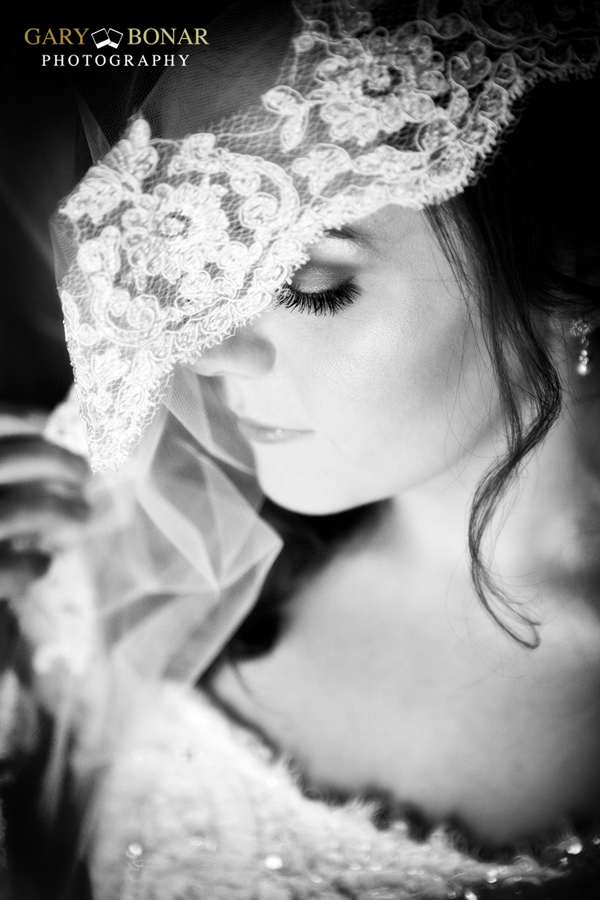 veil - etiquette bridal couture, earrings - LHG Designs , gary bonar photo
