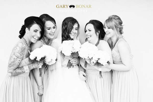 bride and bridesmaids, gary bonar photo