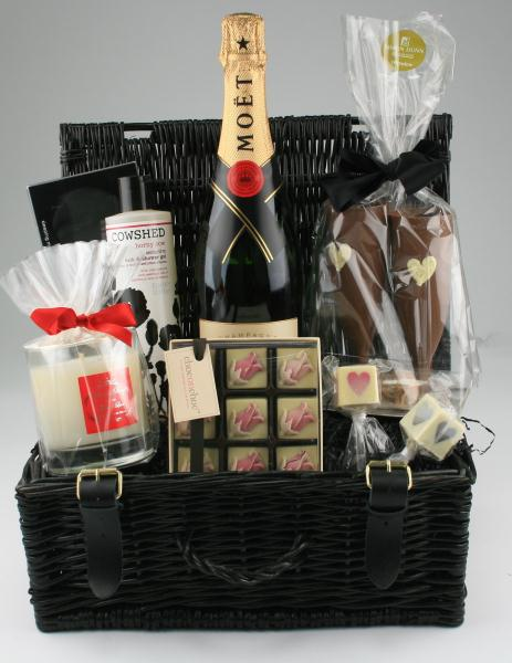 Original Wedding Presents Uk : Romance hampers, luxury wedding gifts, beau brides and weddings