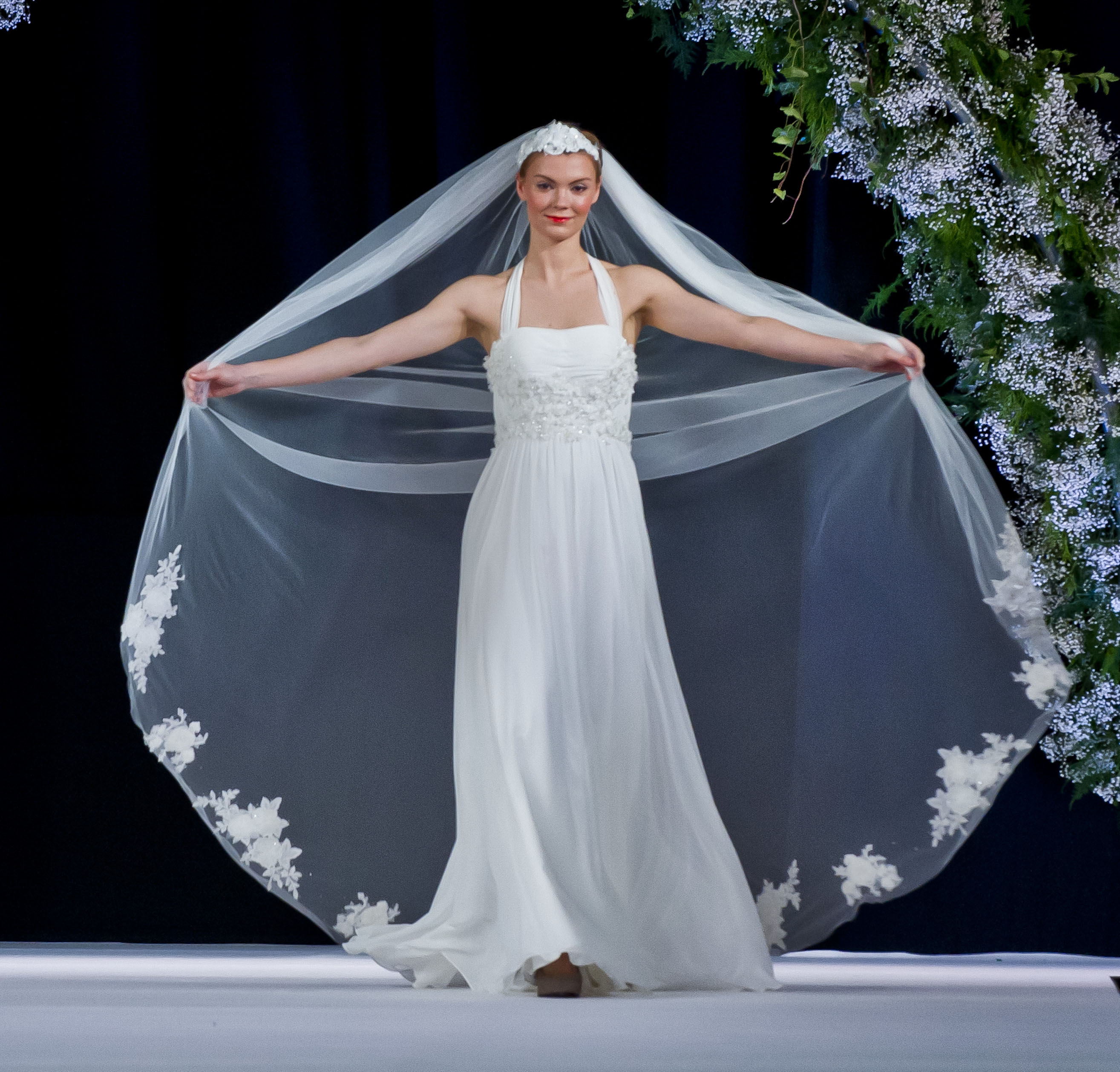 Contemporary Scottish Wedding Gown Gallery - All Wedding Dresses ...
