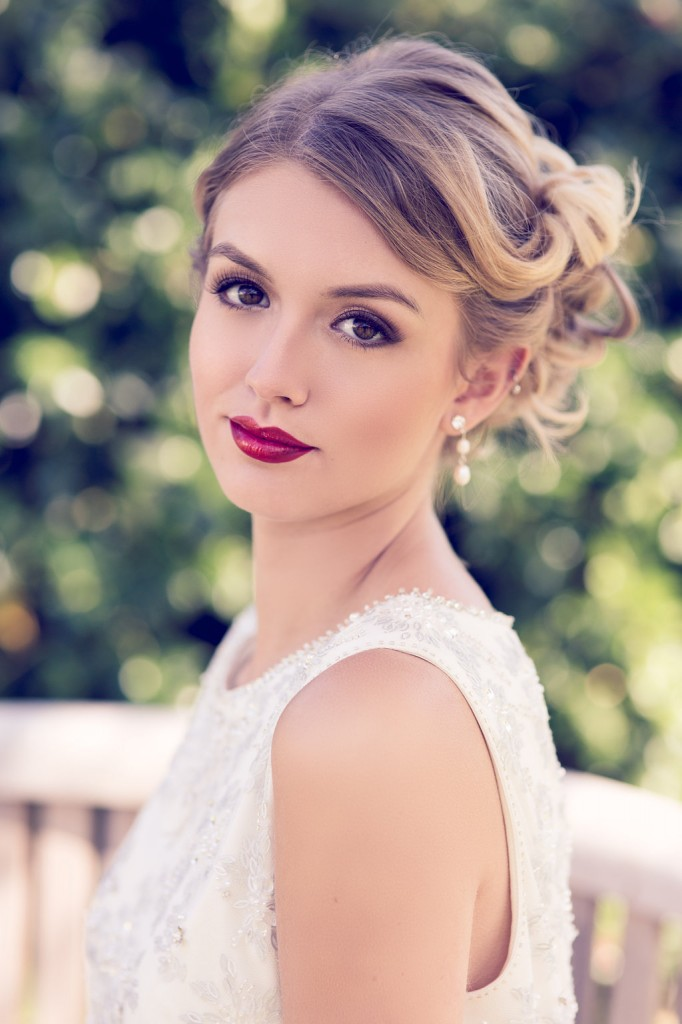Simple Bridal Makeup At Home : Capturing the Bridal Look - 4 different ways to style your ...