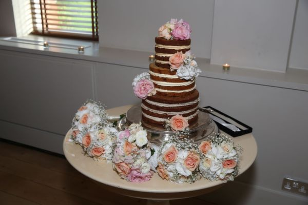 Anna's Bakes, naked wedding cakes, brownie naked cake