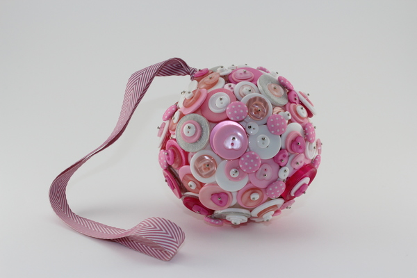 button-bomb, daisy-daisy-custom-couture, bridal-accessories