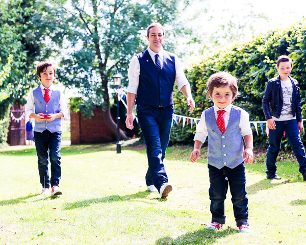 giddy-kipper-giddy-wedding-lincolnshire-wedding-harvey-and-harvey-photography (38)