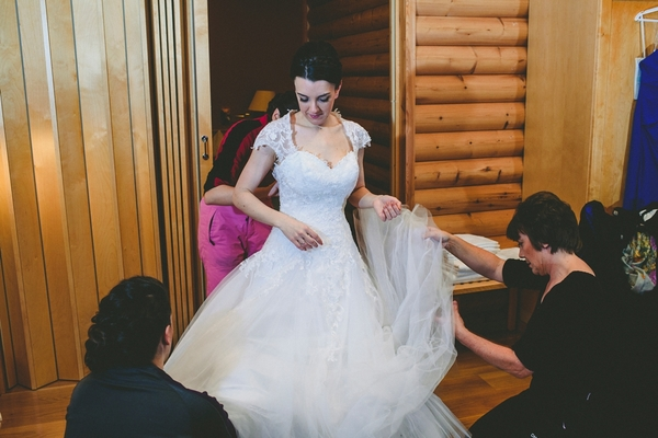 lapland-wedding-snowy-wedding-rob-grimes-hotography-destination-wedding-LUVATTUMAA- Ice-Chapel-Levi-Lapland (16)