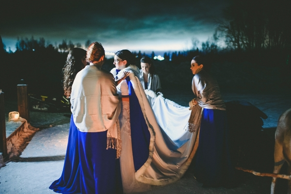 lapland-wedding-snowy-wedding-rob-grimes-hotography-destination-wedding-LUVATTUMAA- Ice-Chapel-Levi-Lapland (34)