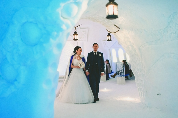 lapland-wedding-snowy-wedding-rob-grimes-hotography-destination-wedding-LUVATTUMAA- Ice-Chapel-Levi-Lapland (52)