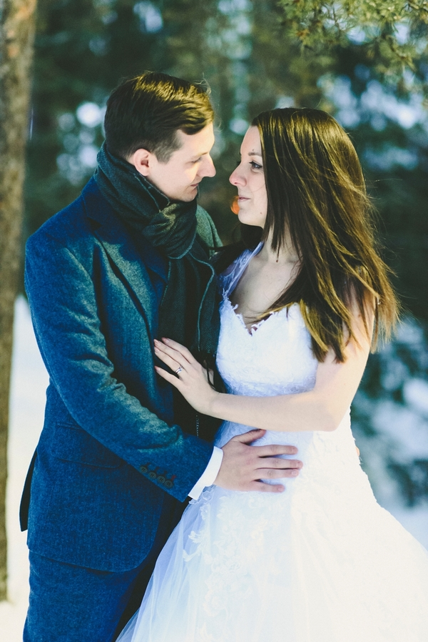 lapland-wedding-snowy-wedding-rob-grimes-hotography-destination-wedding-LUVATTUMAA- Ice-Chapel-Levi-Lapland (84)