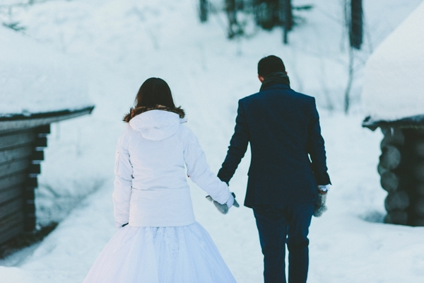 lapland-wedding-snowy-wedding-rob-grimes-hotography-destination-wedding-LUVATTUMAA- Ice-Chapel-Levi-Lapland (97)