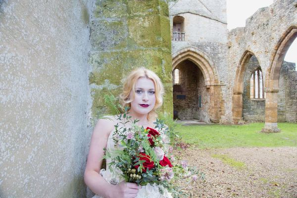 nellie-photography-vintage-chic-wedding-fair-Ettington-Park-Hotel-vintage-inspired-wedding (30)