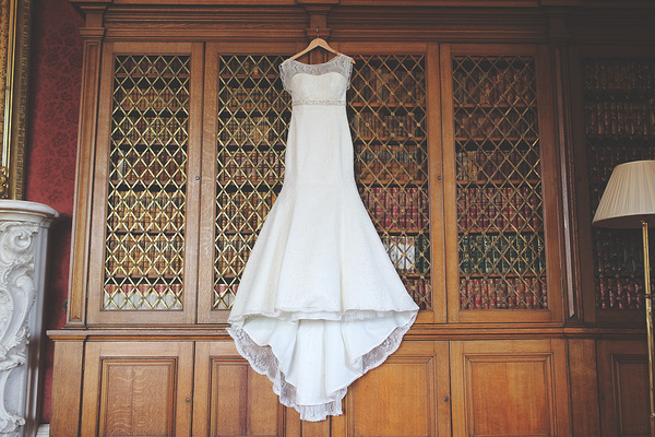 wedding dress, stuart craig photo, edinburgh wedding, oxenfoord castle, white and blue wedding details