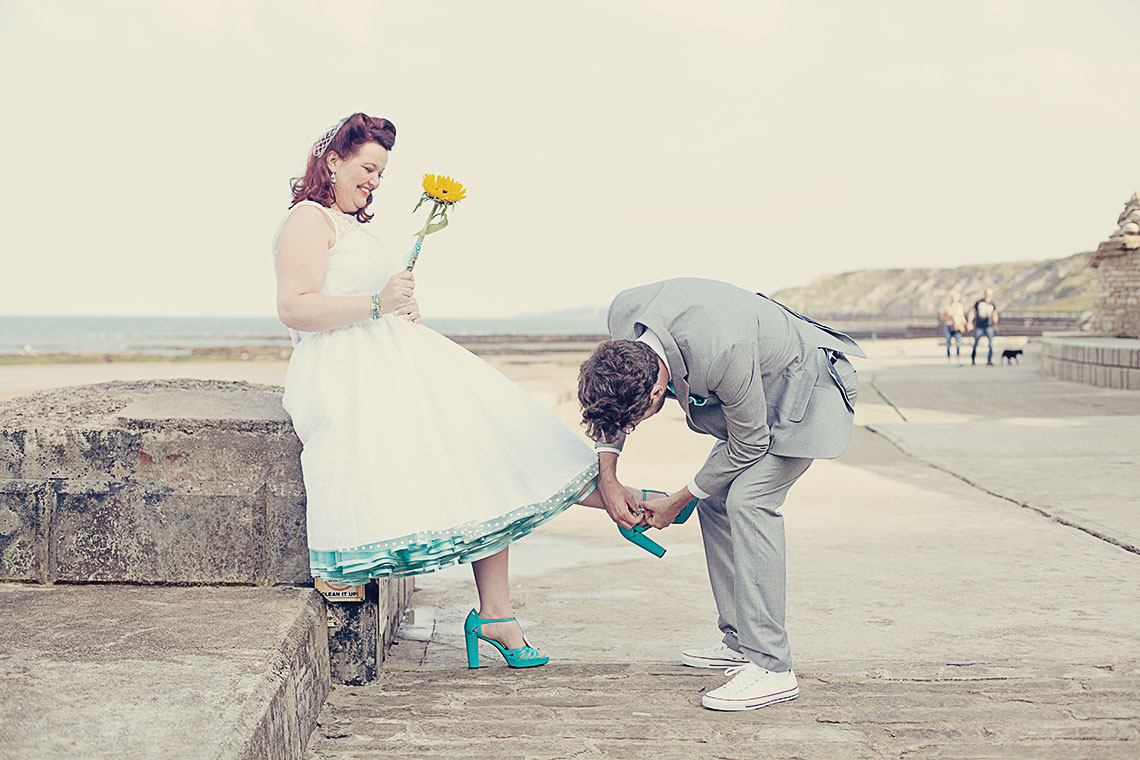 A gorgeous Scarborough Wedding with a turquoise theme & sunflower ...