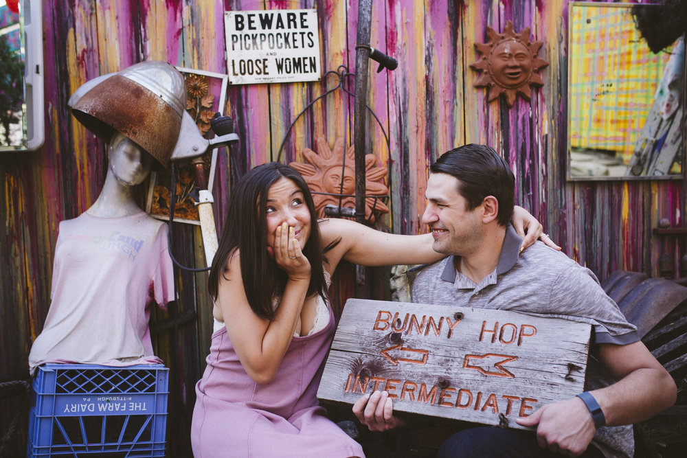 Randyland-Pittsburgh-Landmark-Sandra-Chile-Photography-Pittsburgh-Engagement-Schoot-Colourful-Engagement-Shoot 17