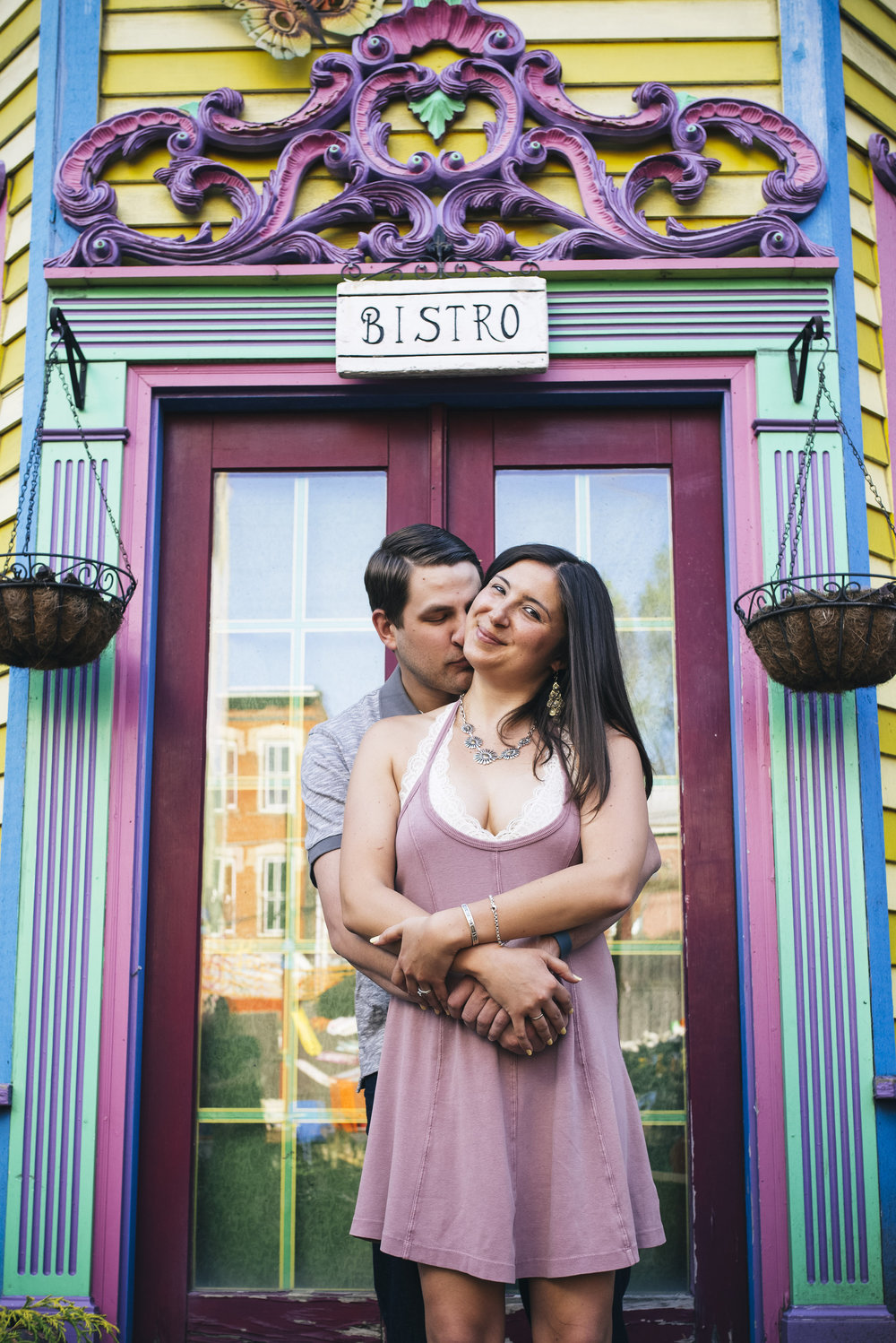 Randyland-Pittsburgh-Landmark-Sandra-Chile-Photography-Pittsburgh-Engagement-Schoot-Colourful-Engagement-Shoot 28