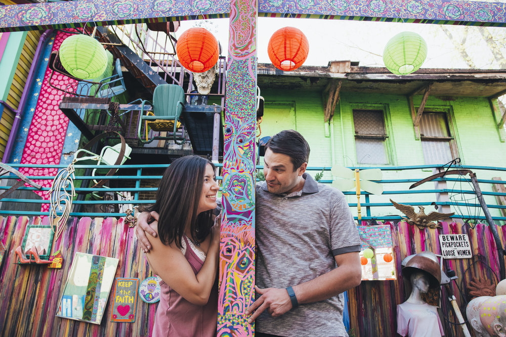 Randyland-Pittsburgh-Landmark-Sandra-Chile-Photography-Pittsburgh-Engagement-Schoot-Colourful-Engagement-Shoot 32