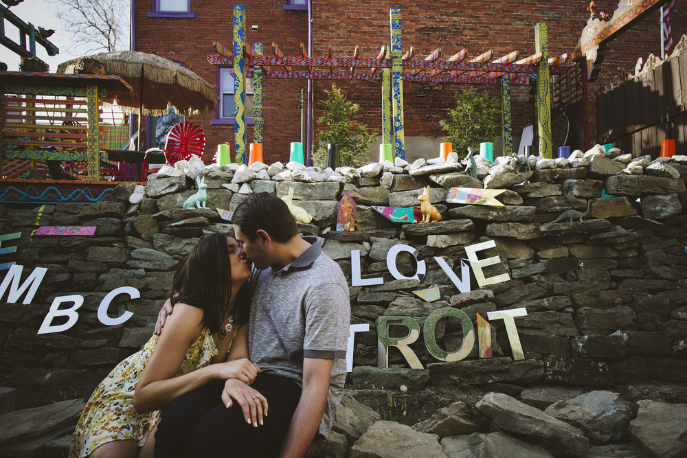 Randyland-Pittsburgh-Landmark-Sandra-Chile-Photography-Pittsburgh-Engagement-Shoot-Colourful-Engagement-Shoot 37