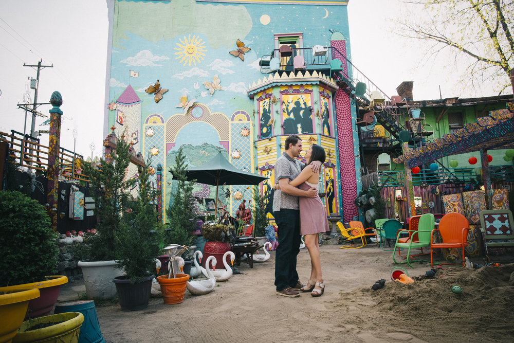 Randyland-Pittsburgh-Landmark-Sandra-Chile-Photography-Pittsburgh-Engagement-Schoot-Colourful-Engagement-Shoot 6
