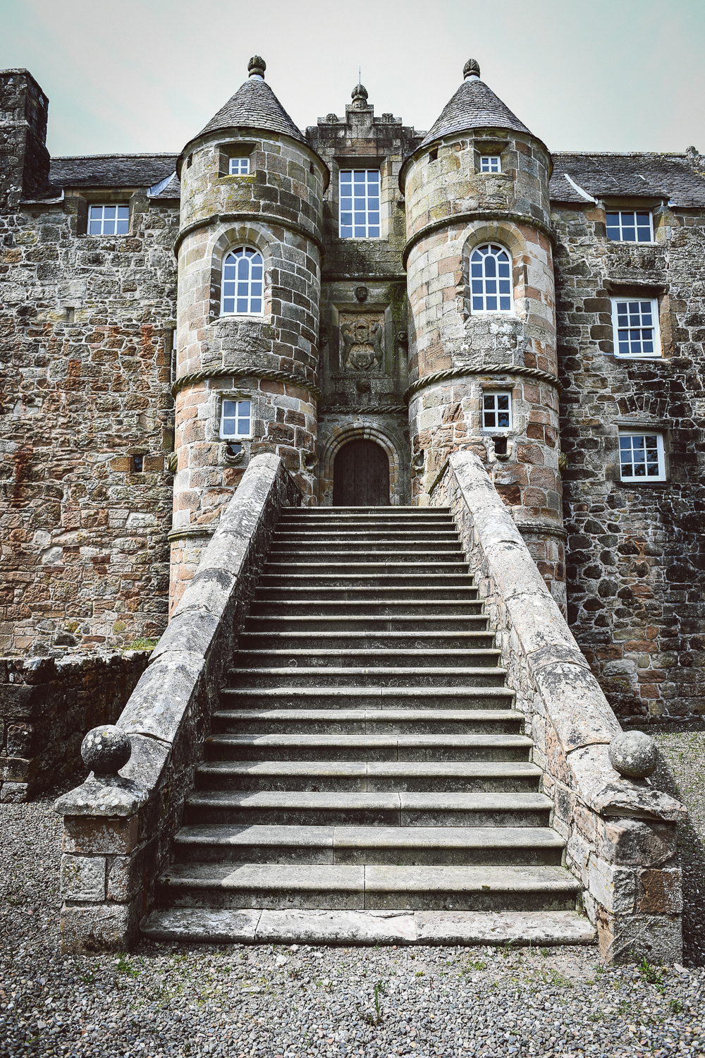 Rowallan-Castle-Tom-Cairns-Photography-Pronovias-Wedding-Dress-scottish-wedding-theme-cluedo-wedding-stationery (4)