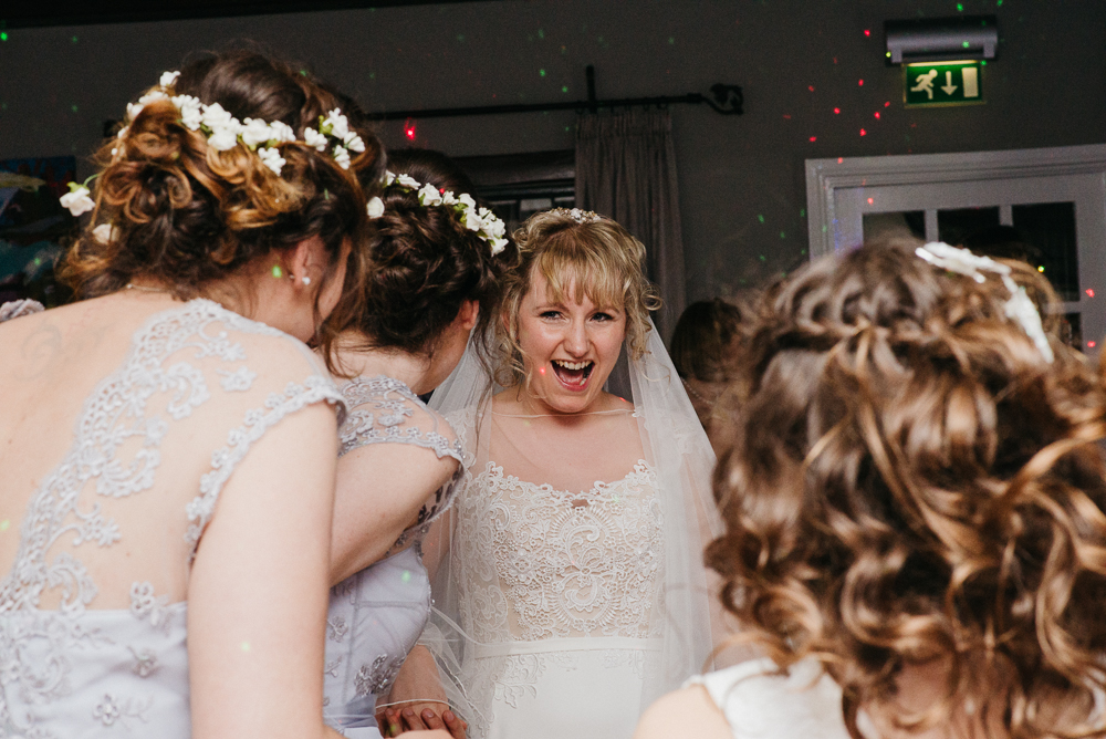 south-wales-wedding-relaxed-wedding-elaine-williams-photography (98)