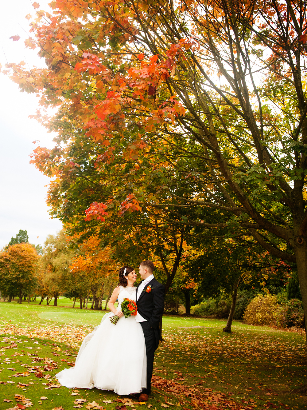 weekday-wedding-photos-jenny-mcavoy-autumn-wedding-swinton-park-golf-club-ronald-joyce-dress, autumnal-wedding, Yorkshire wedding