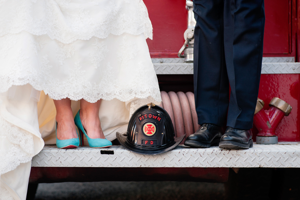 black-lamb-photography-ottawa-wedding-photographer-fire-fighter-themed-wedding-shoot-15