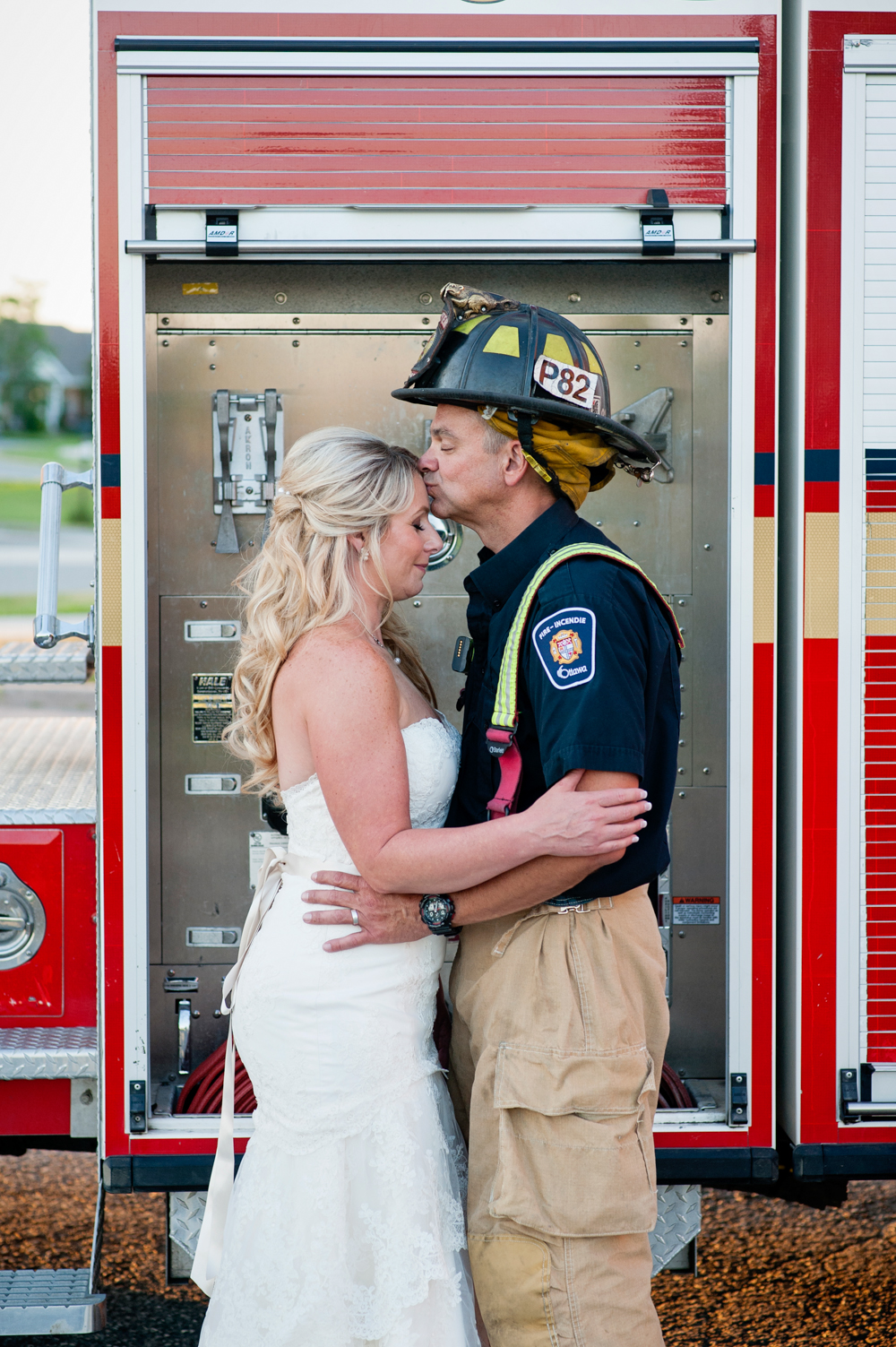 black-lamb-photography-ottawa-wedding-photographer-fire-fighter-themed-wedding-shoot-45