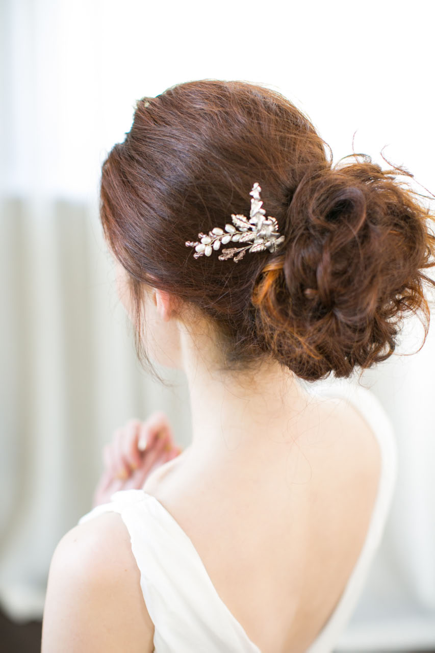 victoria-millesime-flower-queen-hair-pin, Image by Anneli Marinovich
