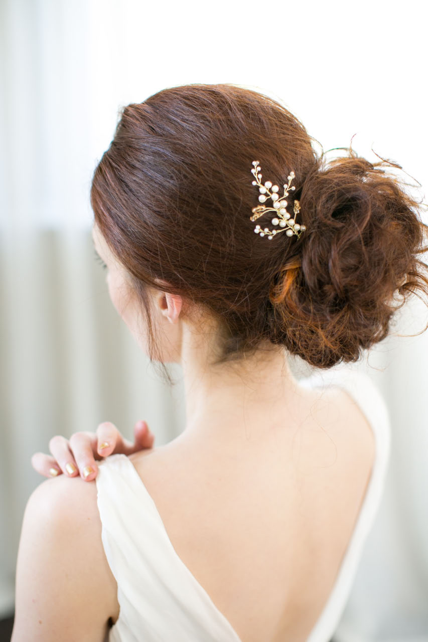 victoria-millesime, golden-shadow-crystal-hair-pin, Image by Anneli Marinovich