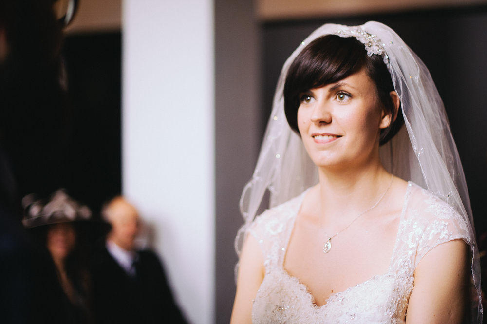 Wedding hair glasgow : A pretty Glasgow Winter Wedding at House for an Art Lover UK