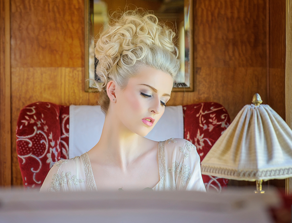 amber-tutton-model-pengelly-photography-colne-valley-railway-railway-bridal-shoot-13
