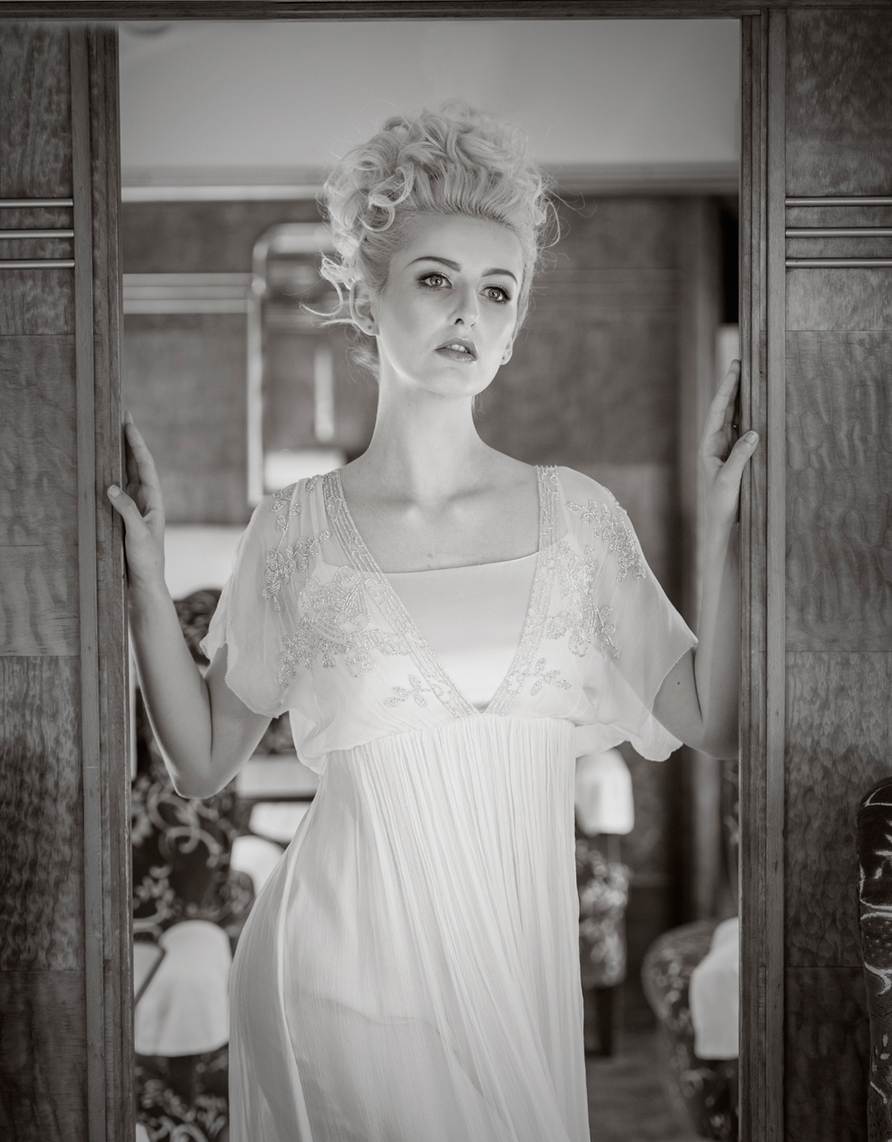 amber-tutton-model-pengelly-photography-colne-valley-railway-railway-bridal-shoot-19