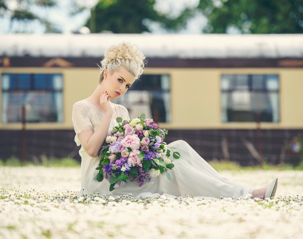 amber-tutton-model-pengelly-photography-colne-valley-railway-railway-bridal-shoot-20