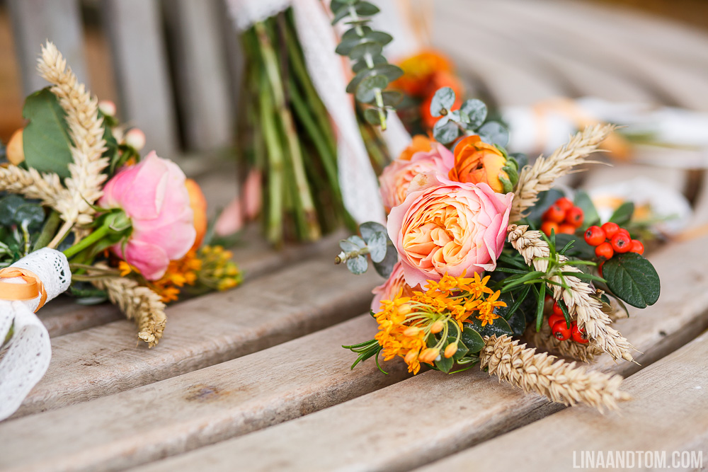 cambridge-wedding-handmade-wedding-handmade-autumnal-wedding-autumn-wedding-autumnal-wedding-south-farm-lina-and-tom-photography-gourds-doilies-nature-inspired-wedding-31