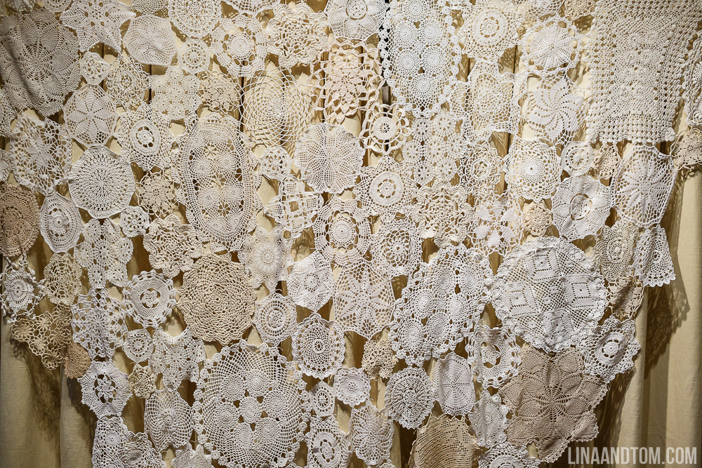cambridge-wedding-handmade-wedding-handmade-autumnal-wedding-autumn-wedding-autumnal-wedding-south-farm-lina-and-tom-photography-gourds-doilies-nature-inspired-wedding-4