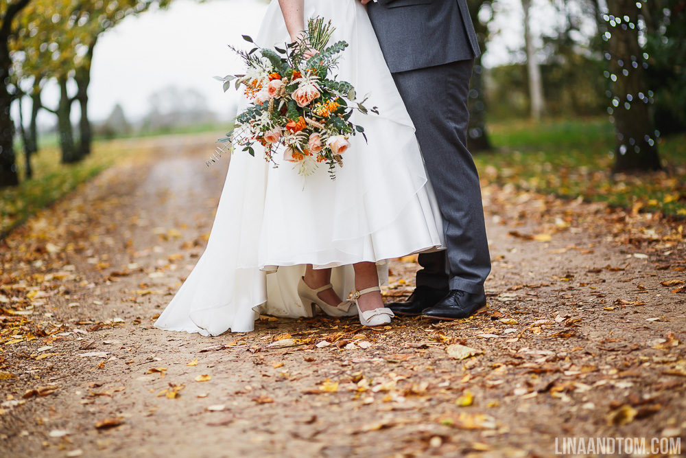 cambridge-wedding-handmade-wedding-handmade-autumnal-wedding-autumn-wedding-autumnal-wedding-south-farm-lina-and-tom-photography-gourds-doilies-nature-inspired-wedding-71
