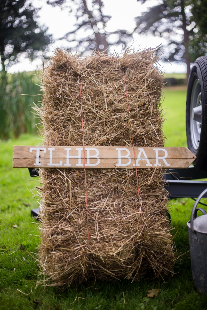 little-horse-box-mobile-bar-sophie-elliot-photography-4