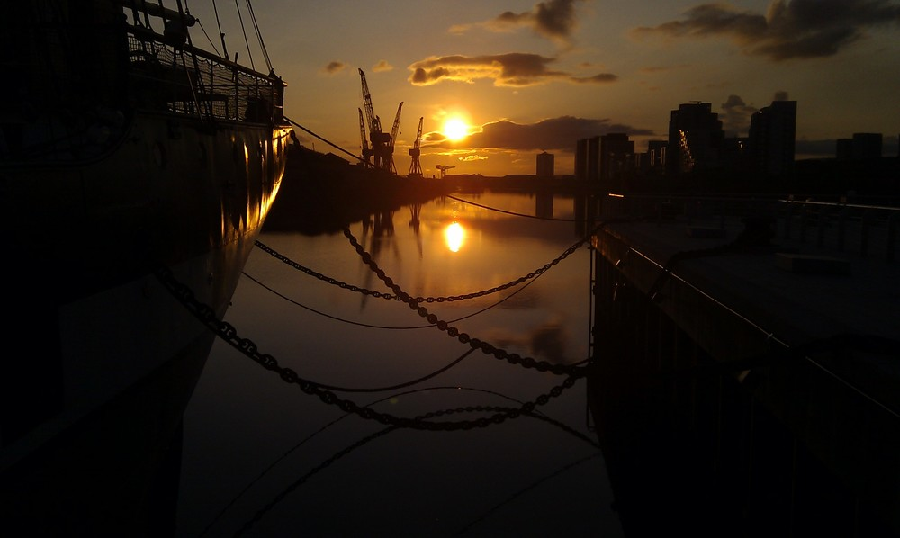 sunset-over-the-clyde, tall-ship-at-riverside, unique-venue, glasgow wedding venue