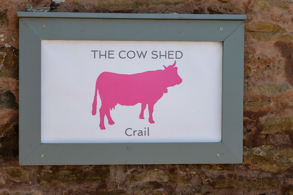 the-cow-shed-entrance, fife wedding venue, image - suzanne black photography